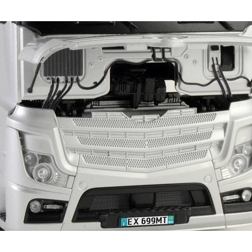 Italeri Mercedez Benz Actros MP4 GigaSpace