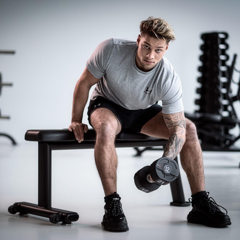 LMX.® LMX1061 LMX. Flat bench (black) (Available 2021)
