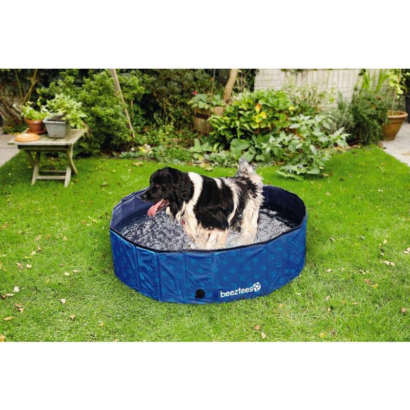 Lekker afkoelen in dit stevige hondenzwembad