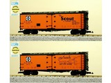 """USA TRAINS 40 ft. Refrigerator Car Santa Fe """"Scout"""" with Map"""