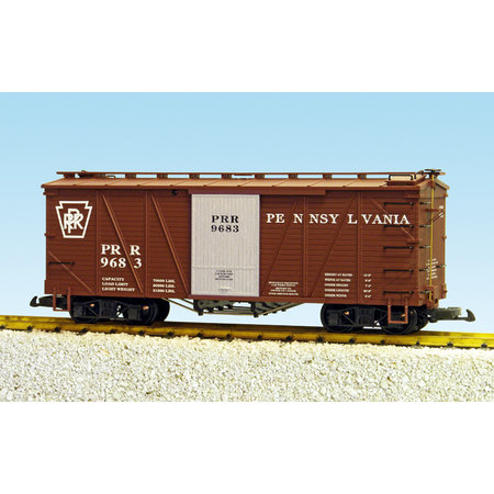 USA TRAINS Outside Braced Boxcar Pennsy (#9683)