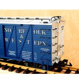 USA TRAINS Outside Braced Boxcar Reading (#89869)