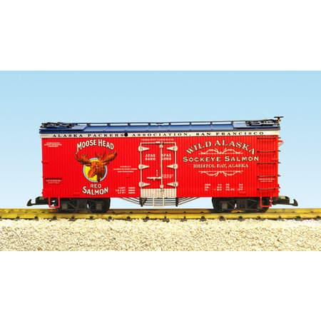 USA TRAINS Reefer Moose Head Red Salmon