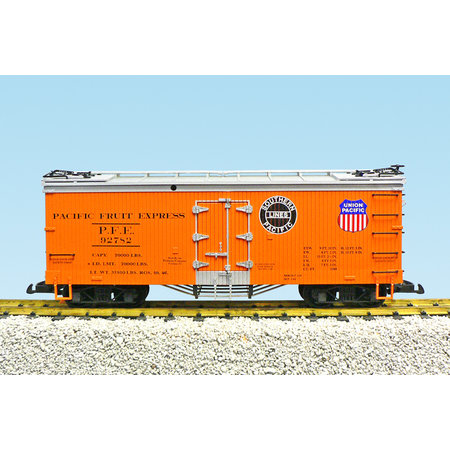 USA TRAINS Reefer PFE SP/UP #92780