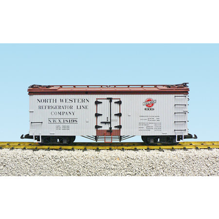 USA TRAINS Reefer North Western #18199