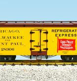 USA TRAINS Reefer CM&StP Earl Fruit Co. #28308