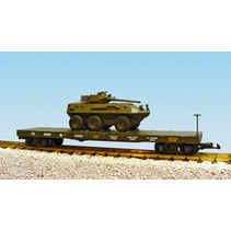 US Army Flatcar mit gepanzerten Fahrzeug