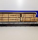 USA TRAINS Santa Fe Flatcar mit Holzladung