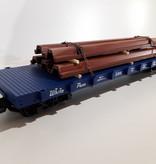 USA TRAINS White Pass Flatcar beladen mit Spundwänden