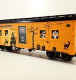 USA TRAINS Halloween Bunk Car