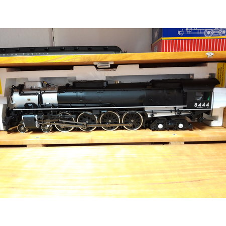 USA TRAINS FEF-3 LOCOMOTIVE Union Pacific #8444