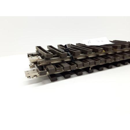 LGB 4x 30cm gerades Gleis (vernickelt) Spur G passend zu LGB inkl. Schraubschienenverbinder (gebraucht)