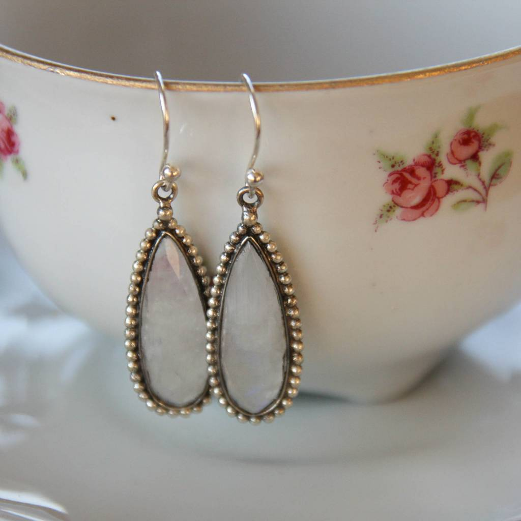 Lacom gems Silver earrings with white Labradorite