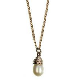 Hultquist Short white pearl necklace