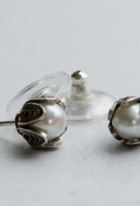 Yvone Christa Pearl earrings