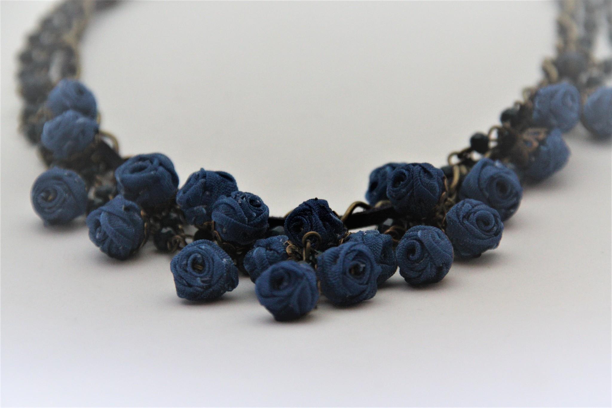 Ana Popova Blue necklace Odette