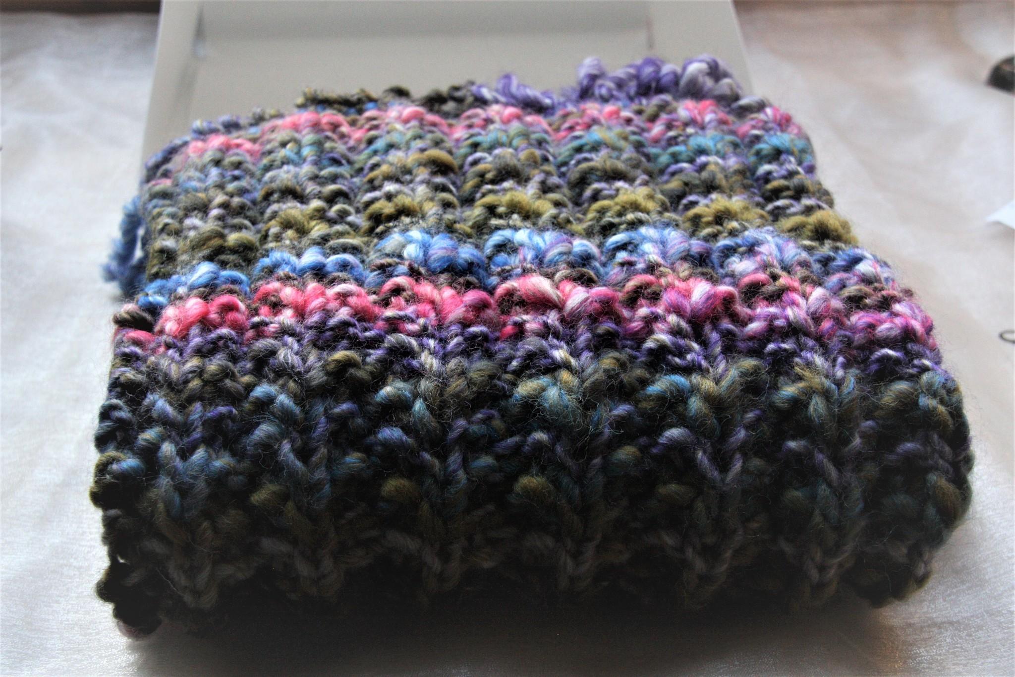 Made by Amberhoeve Handmade scarf multi