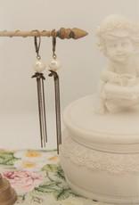 Eric & Lydie White pearl earrings