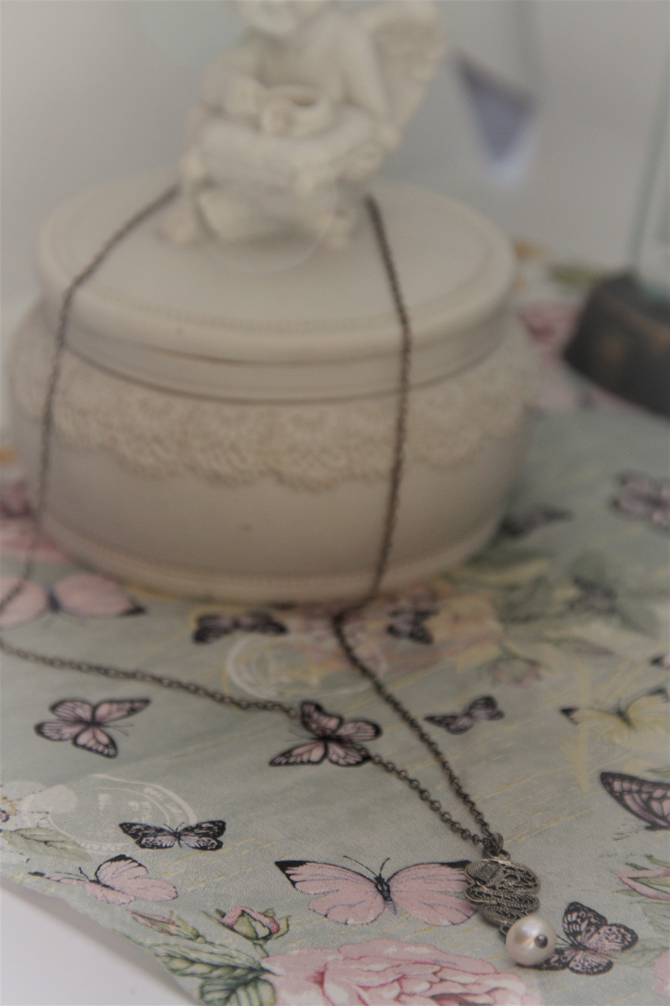 Yvone Christa Fijne ketting van Yvone Christa met hanger witte parel