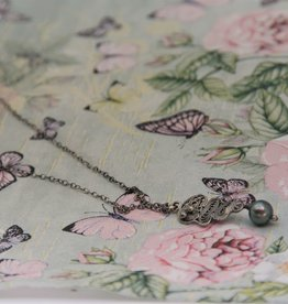 Yvone Christa Delicate filigree necklace