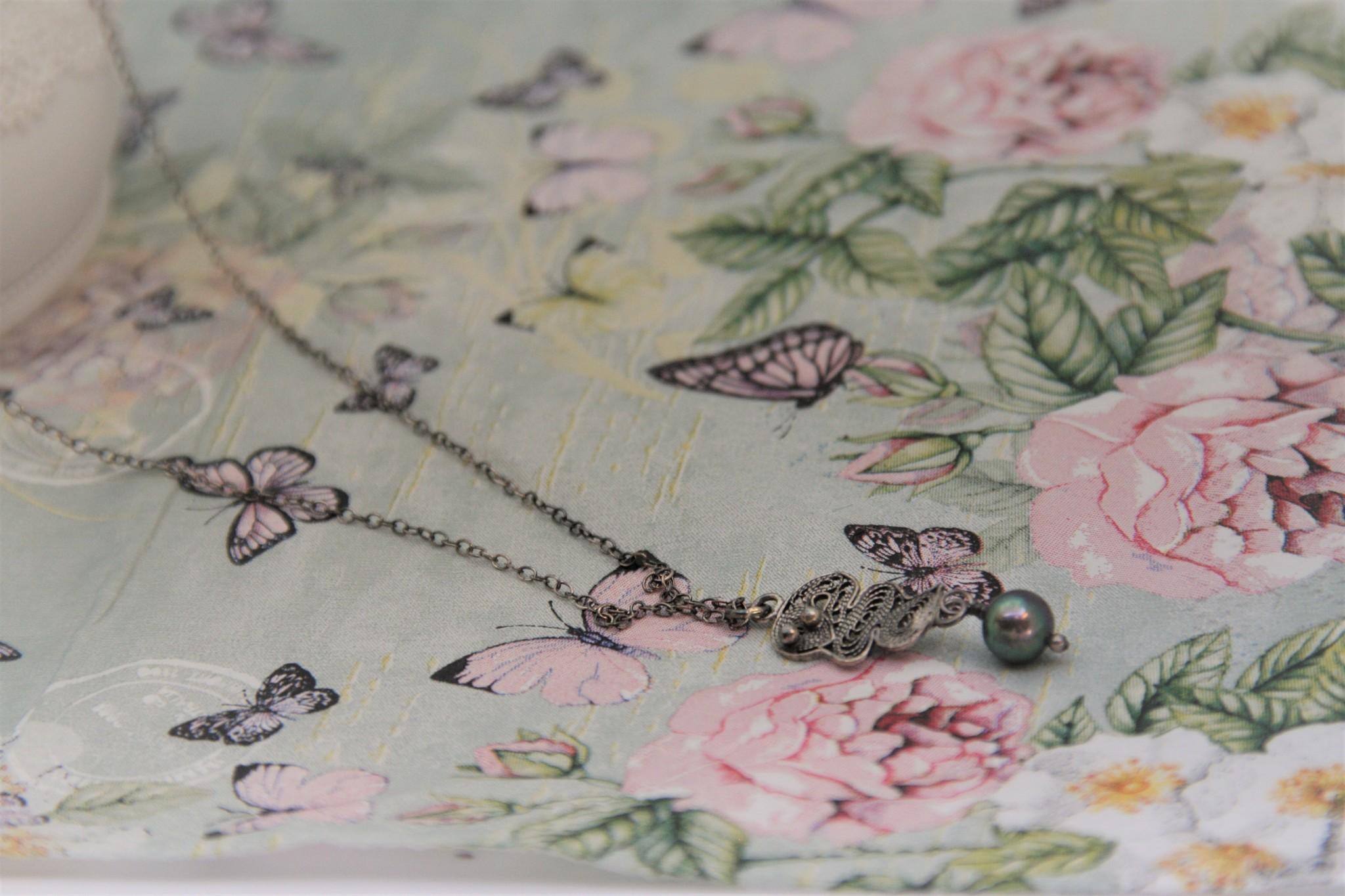 Yvone Christa Fine Yvone Christa necklace with grey pendant