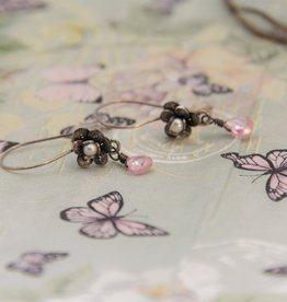 Yvone Christa Delicate flower earrings