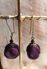 Ana Popova Paarse oorbellen Frida