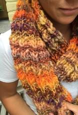Made by Amberhoeve Oranje handgebreide sjaal