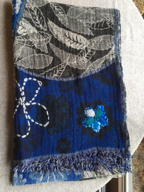 The blue Turban Blauwe sjaal van wol