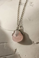 Yvone Christa Fijne ketting met hanger van roze quarts