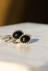 Carré Jewellery Zwarte agaat oorbellen