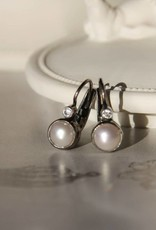 Carré Jewellery White pearl earrings