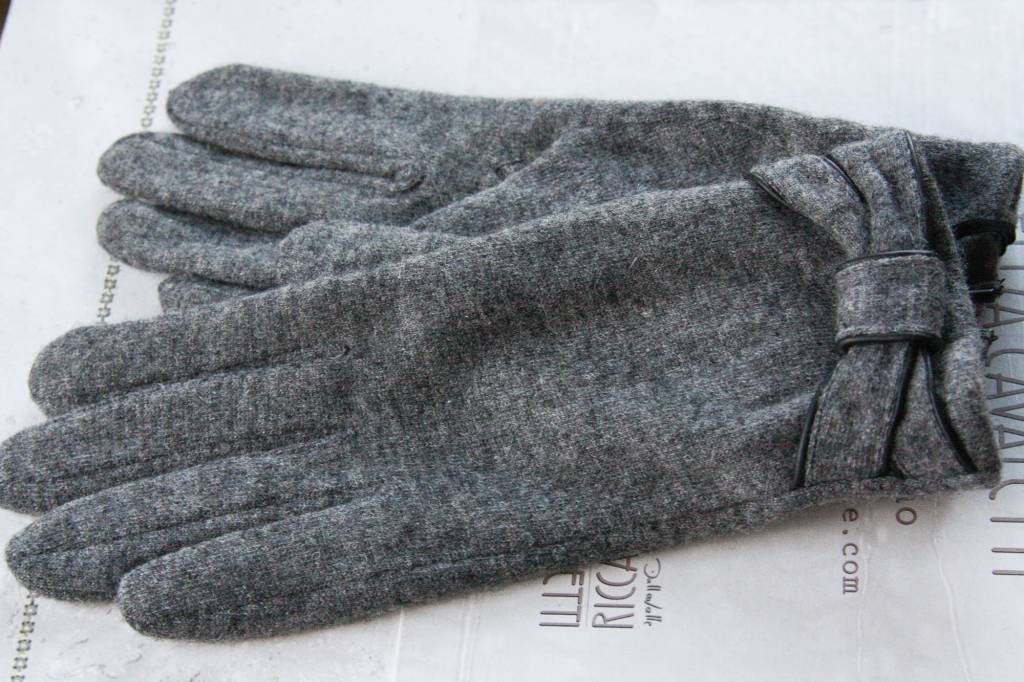 Grijze handschoenen