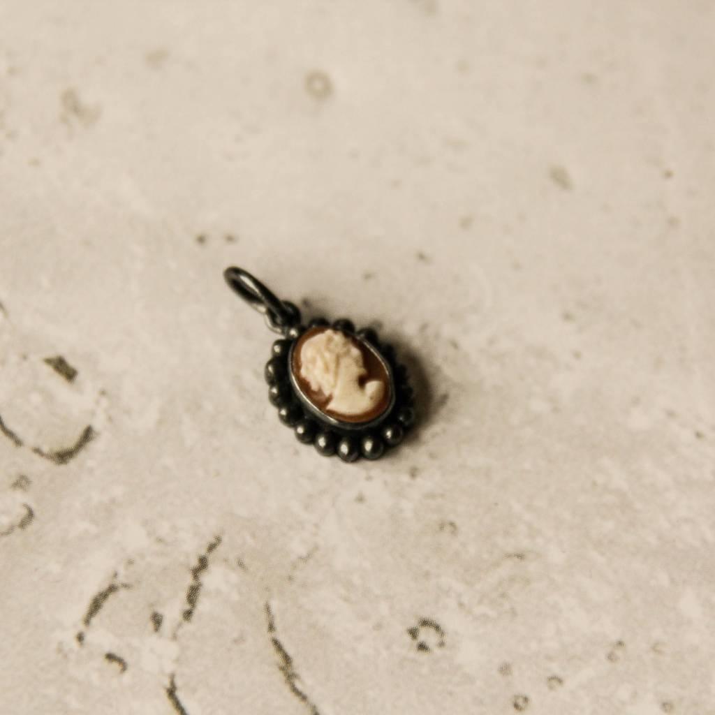 Carré Jewellery Silver Camé pendant
