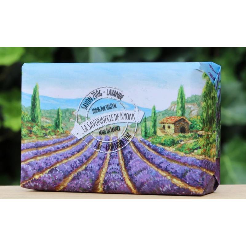 Grote lavendelzeep in papier