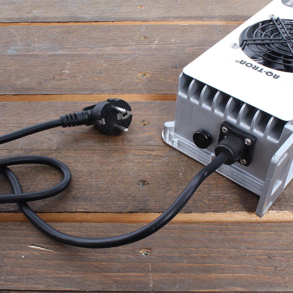 Batterijladers voor een schaarlift