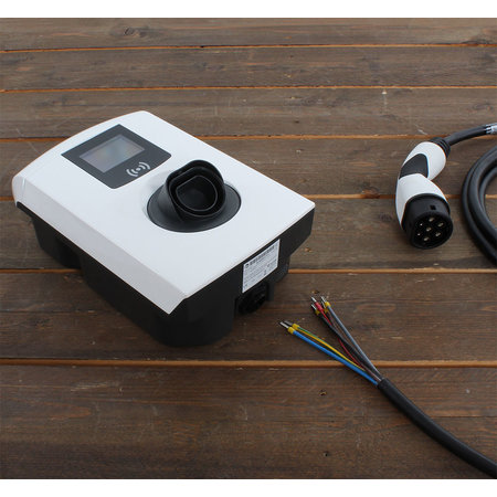 Alfen  Eve Single Pro-line - 3 x 32A (22kW) - 5 meter vaste kabel - RFID - E-Flux
