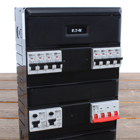 EMAT Groepenkast 8 groepen 220x330mm 3 fase Hoofdschakelaar
