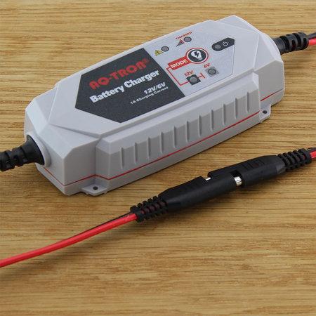AQ-TRON AQ1000 Acculader/ Druppellader 6V en 12V