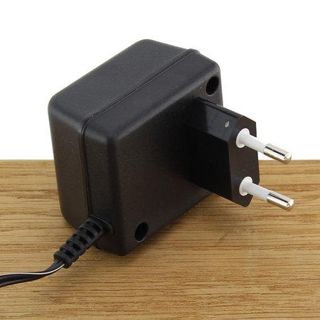 FERM Adapter 6V 0.3A 6W met 5mm plug voor elektrische schroevendraaiers