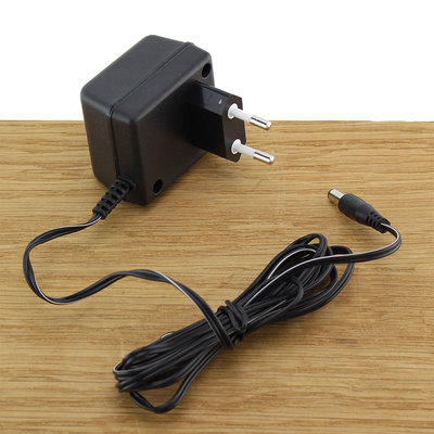 FERM Adapter 6V 0.3A 6W voor elektrische schroevendraaiers