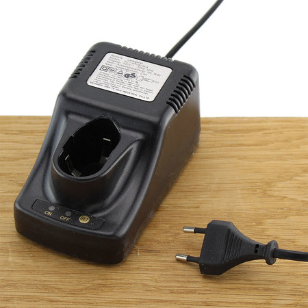 FERM Charger Adapter 16.8V 2.4A voor boormachines