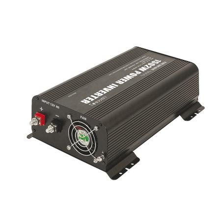 GYS PSW 1502W 12V   Omvormer / inverter   2 x 230V Schuko + 2 x 5V USB   met afstandsbediening