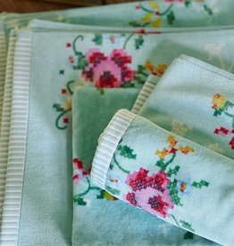 Pip Studio Handdoek groot Granny Pip Groen 70x140cm - Pip Studio