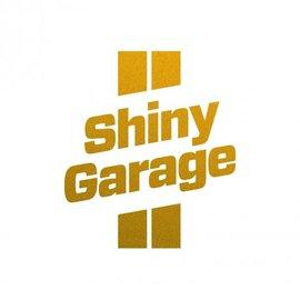 Shiny Garage Sticker in Gold