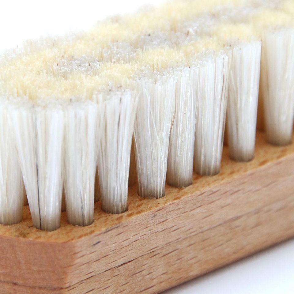 Die Bürste -  in Handarbeit hergestellt