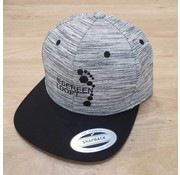 IEDEREEN LOOPT Snapback - Grijs gestreept met zwarte visor
