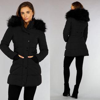 Gewatteerde Zwarte Winterjas met Imitatiebont en Capuchon