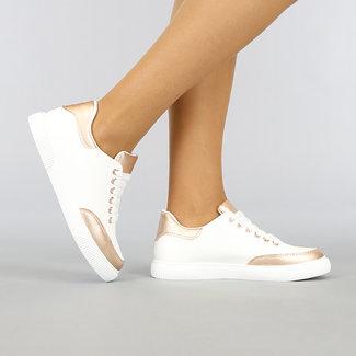NEW0704 Witte Lederlook Sneakers met Champagne Details