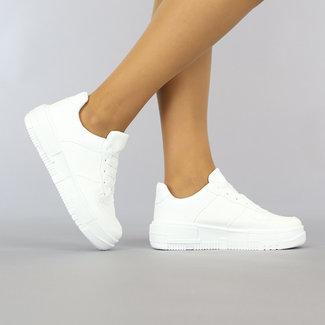 NEW0610 Basic Witte lederlook Sneakers met Plateauzool